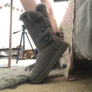 Gray Uggs Boots:Bailey Button ll Triplet Boot